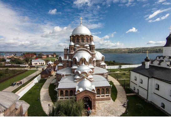 Остров-град Свияжск. Ионно-предтеченский монастырь