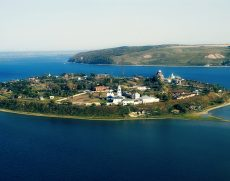 Загородная экскурсионная поездка на Остров – Град Свияжск